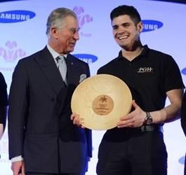 Peter Higgs gets his award